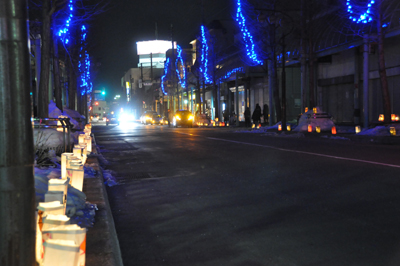 滝川の商店街にランターンの灯り