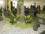 生け花との墓石コラボ