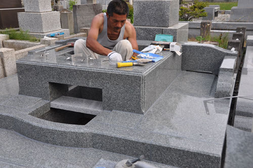 セルフクリーニングデザイン墓石