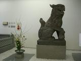 狛犬と活花
